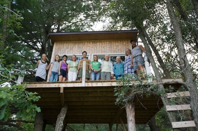 the-traditional-tree-house-group-picture